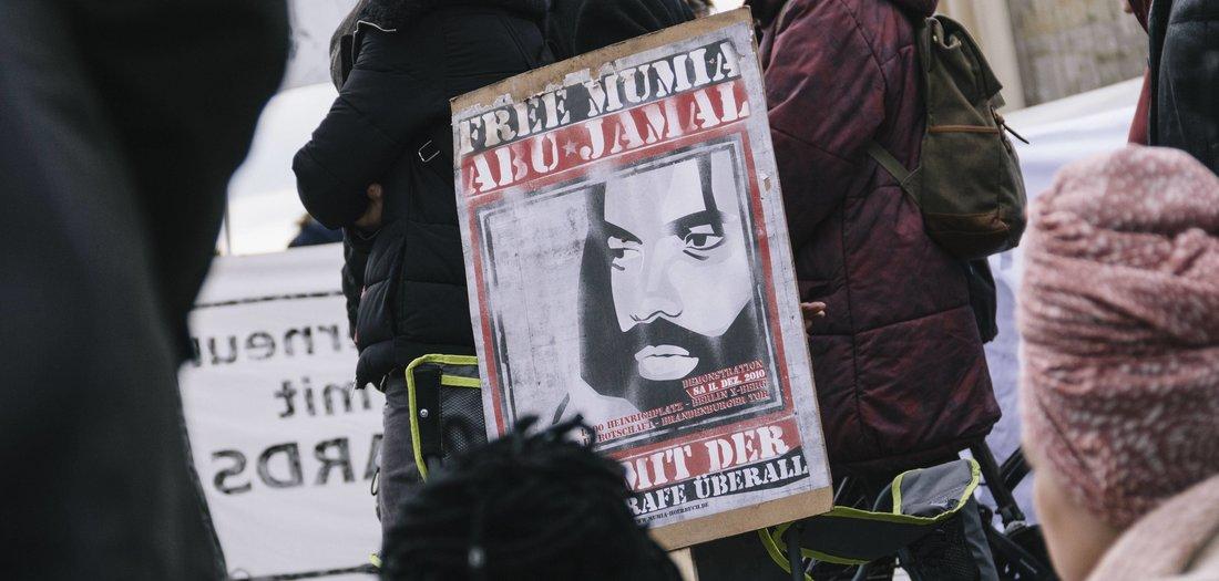 Free-Mumia-Lebensbedrohlicher-Eingriff