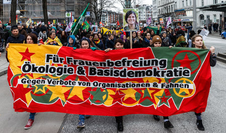 Demonstration gegen Verbote kurdisch-internationalistischer Orga...