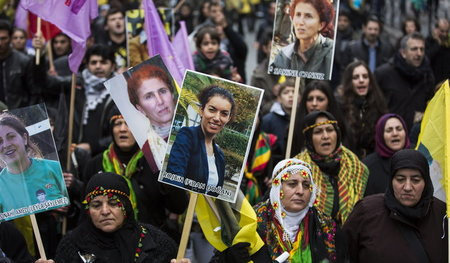 Kurds_protest_killin_36876613.jpg
