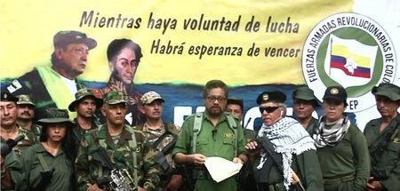Comandante Iván Márquez verliest die Erklärung der neuen FARC-EP