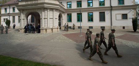 US-Soldaten vor dem United States European Command in Stuttgart ...