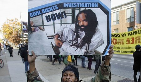 Protest für Mumia Abu-Jamal im November 2010 in Philadelphia