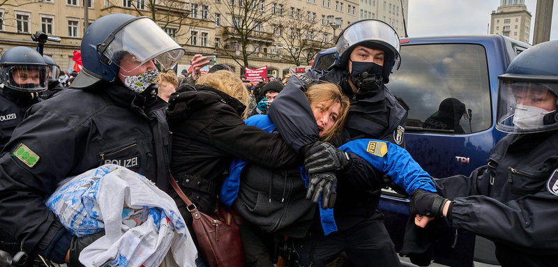 Новые подробности об ЛЛ-демонстрации в Берлине