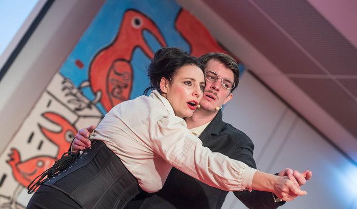 Rosa Luxemburg und Karl Liebknecht traten auch auf – dargestellt von Susanne Jansen und Arne van Dorsten Foto: Christian-Ditsch.de