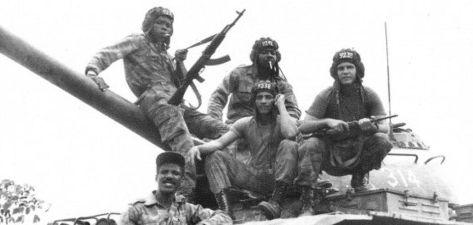 Eine kubanische Panzereinheit in Angola
