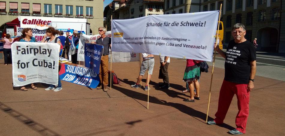 Solidaritätsaktion für Kuba im schweizerischen Bern