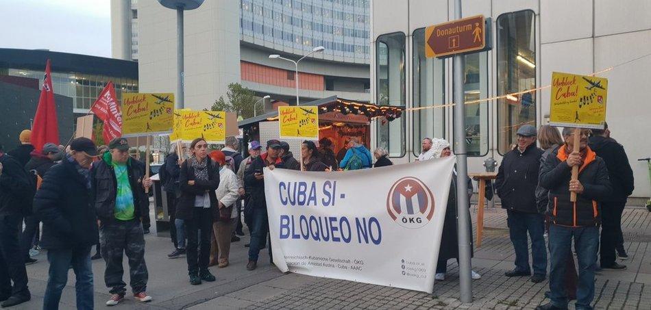 Wien: cuba Si, Bloqueo no